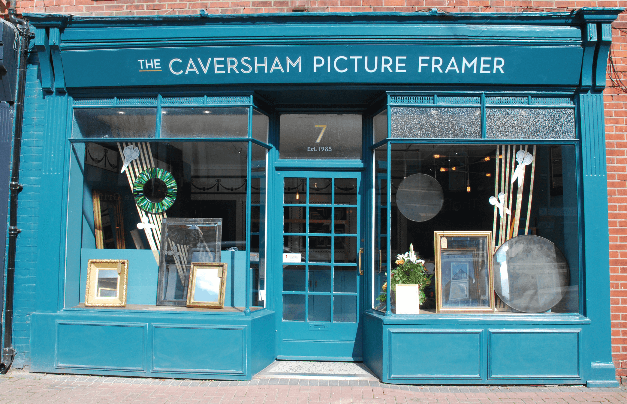 Picture framing near Reading