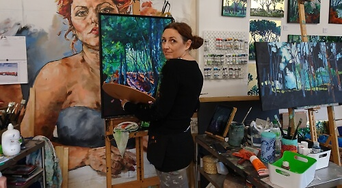 cat croxford in her studio