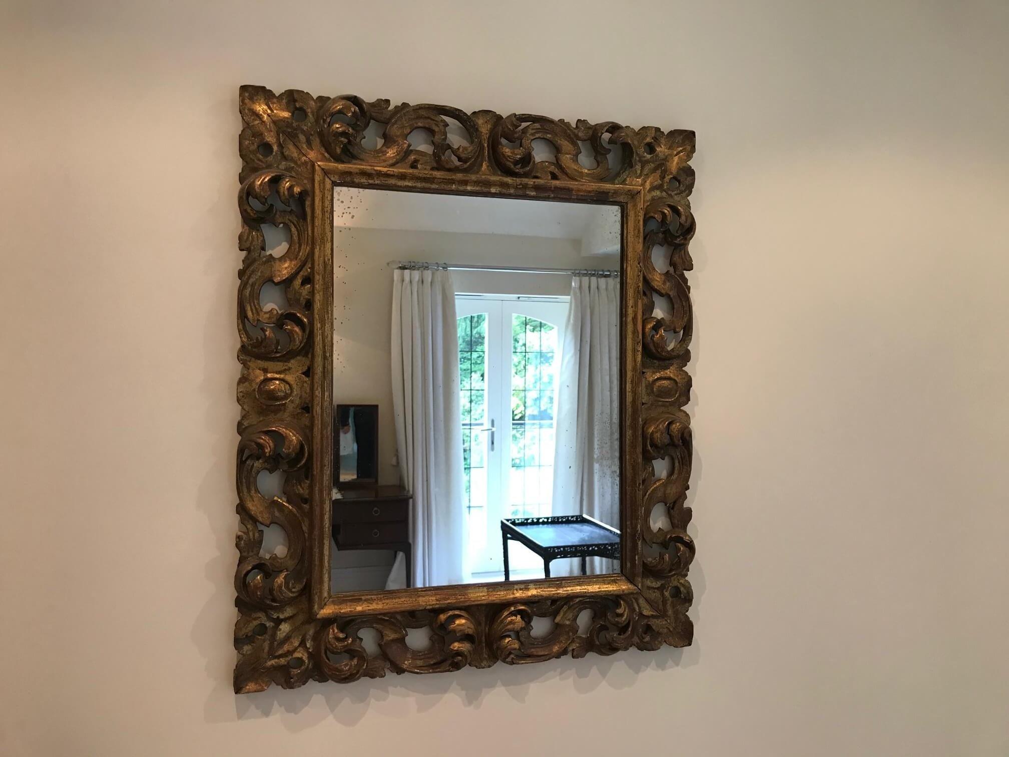 Antique Mirror, Reading